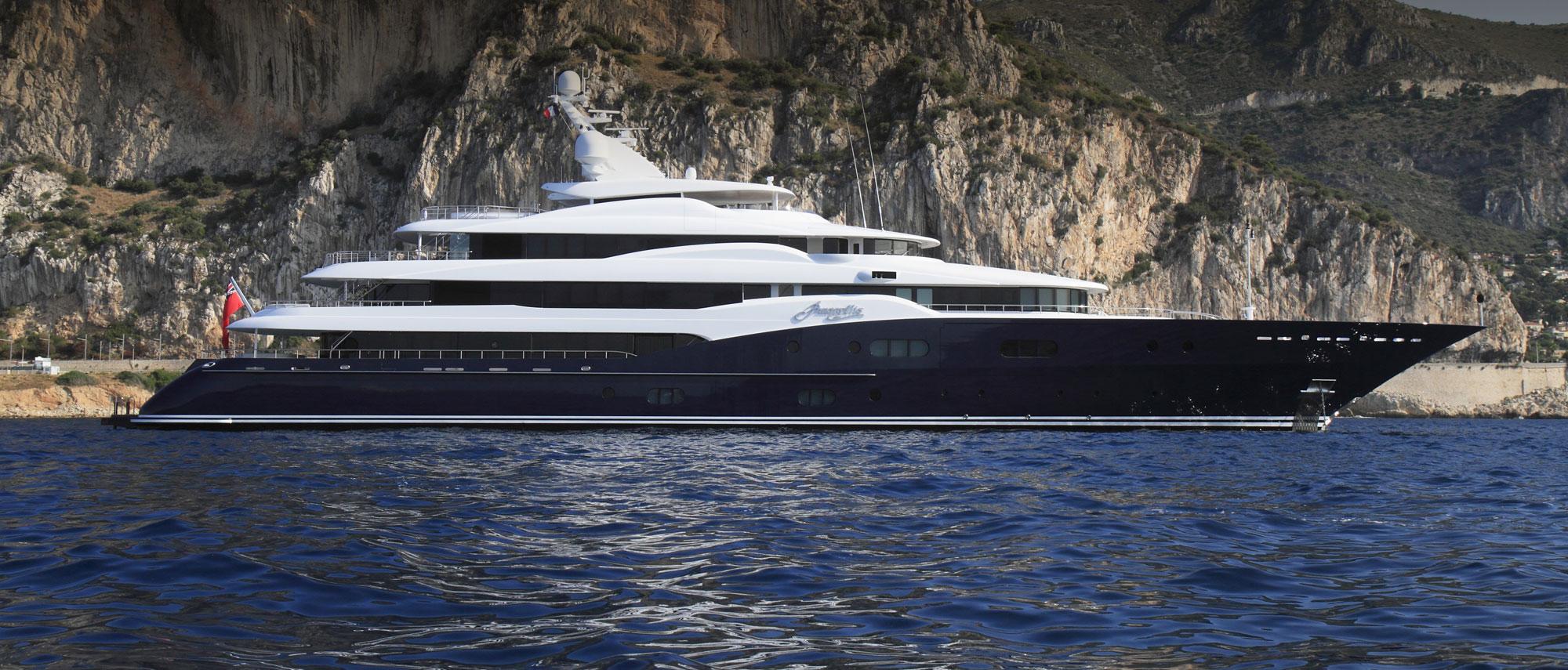 Cayman flagged pleasure yacht AMARYLLIS